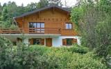 Holiday Home Switzerland Fernseher: House Le Vignoble