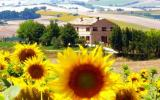 Apartment Italy Fernseher: Self-Contained Half Of Country Villa 'la ...