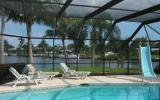 Holiday Home Cape Coral: Waterfall House