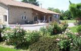 Holiday Home Aquitaine Fernseher: Gite Cerisier