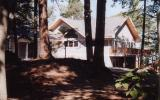 Holiday Home United States: Cedar Bend Cottage