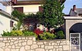 Holiday Home Novi Vinodolski: Ferienwohnung Mit Balkon Und Terrasse
