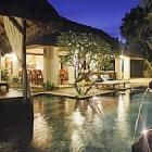 Villa Northern Mariana Islands: Luxury Villa With Private Pool Near The Sea
