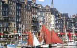 Apartment Basse Normandie Fernseher: Honfleur. Rooftop, Waterside ...