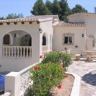 Villa Comunidad Valenciana: Well Maintained Villa, Large Pool And Gardens ...